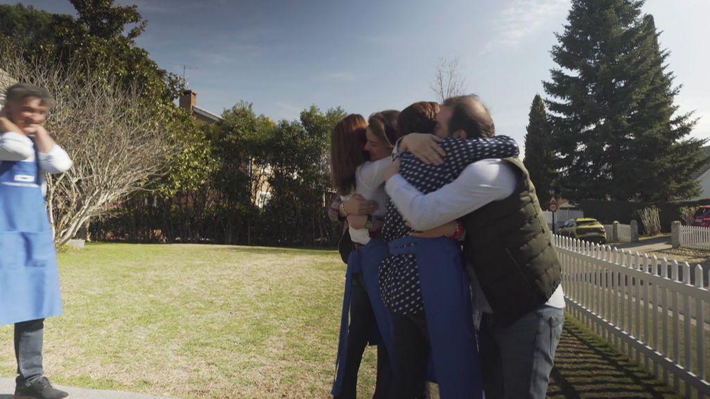 """La emotiva reacción de Lydia Bosch al reencontrarse con sus compañeros: """"¡Mis niños!"""""""