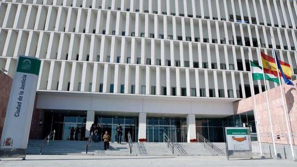 El jurado declara culpable al acusado de estrangular a su pareja en un hotel de Málaga