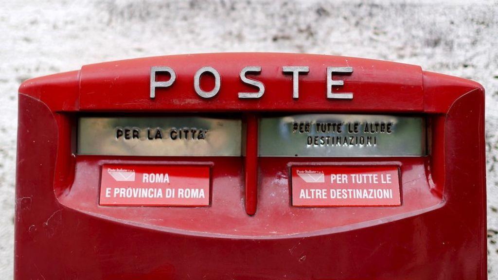 Detenido un cartero italiano por almacenar 400 kilos de correo