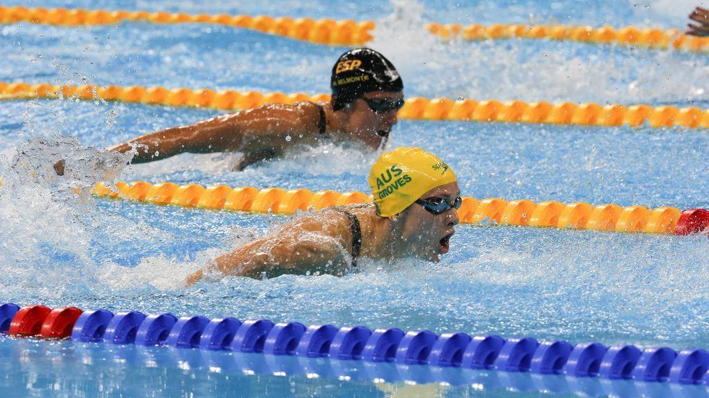 Médicos alertan de que la natación no previene ni cura la escoliosis