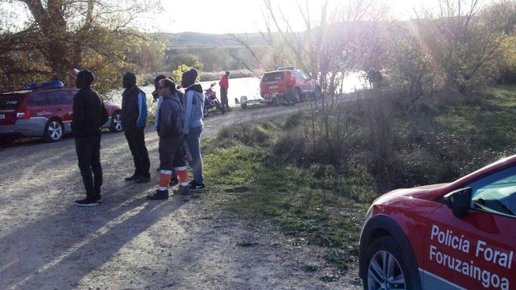 Buscan a uno de los dos ocupantes de un coche que cayó al Ebro a la altura de Lodosa