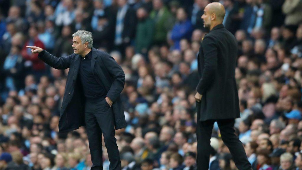 El Manchester United remonta un 2-0 y evita el alirón del City