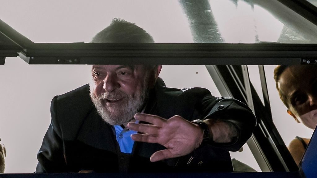 Lula negocia entregarse a la Policía una vez sobrepasado el plazo dado por el juez