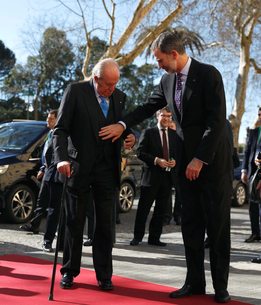 """La operación de rodilla del Rey emérito concluye con resultado """"plenamente satisfactorio"""""""