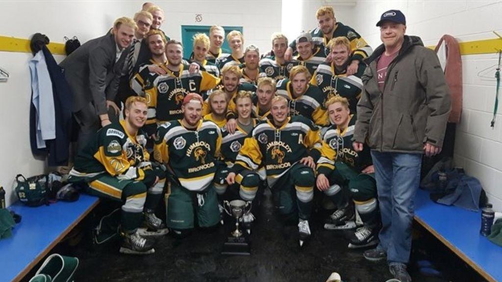 14 muertos en Canadá en el accidente de un autobús que llevaba a un equipo juvenil de hockey