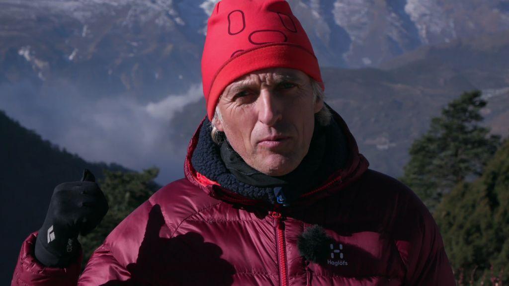 """India y Calleja, atrapados entre el Everest y Katmandú: """"La situación es límite"""""""