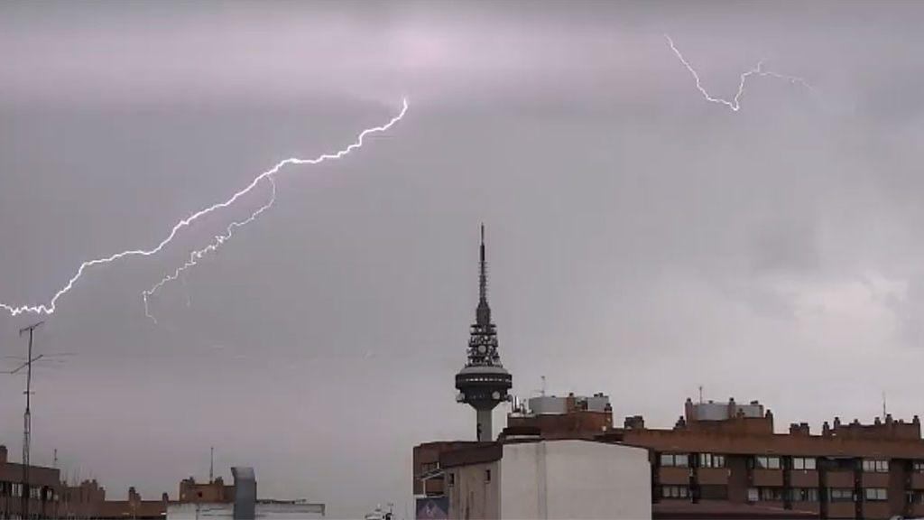 """Así se ha vivido la tormenta eléctrica en las redes sociales: """"Parece una película de terror"""""""