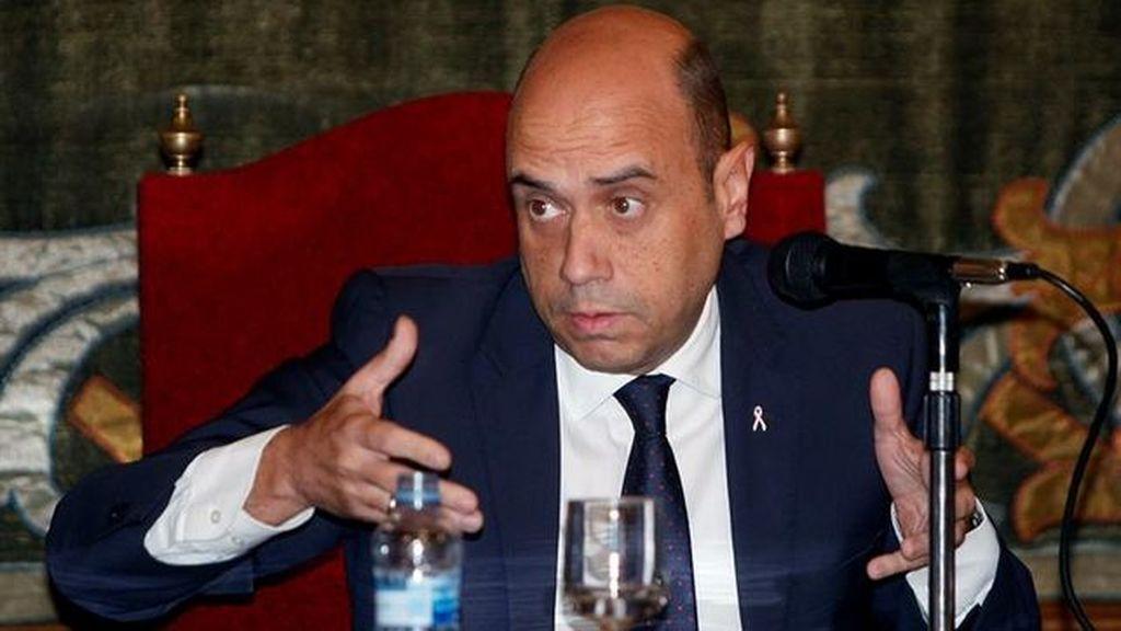 El alcalde de Alicante registra su renuncia y deja de ser edil