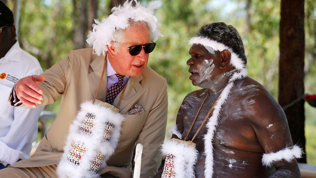La visita del Príncipe Carlos a Australia sigue dejando llamativas imágenes