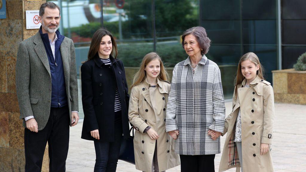 Aciertos y errores de la familia real tras la 'reconciliación' entre Letizia y Doña Sofía