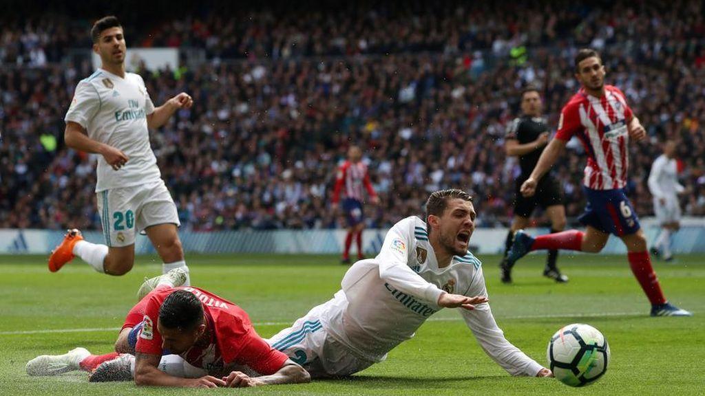 Dos claros penaltis no pitados al Real Madrid: Iturralde González analiza la polémica del derbi madrileño