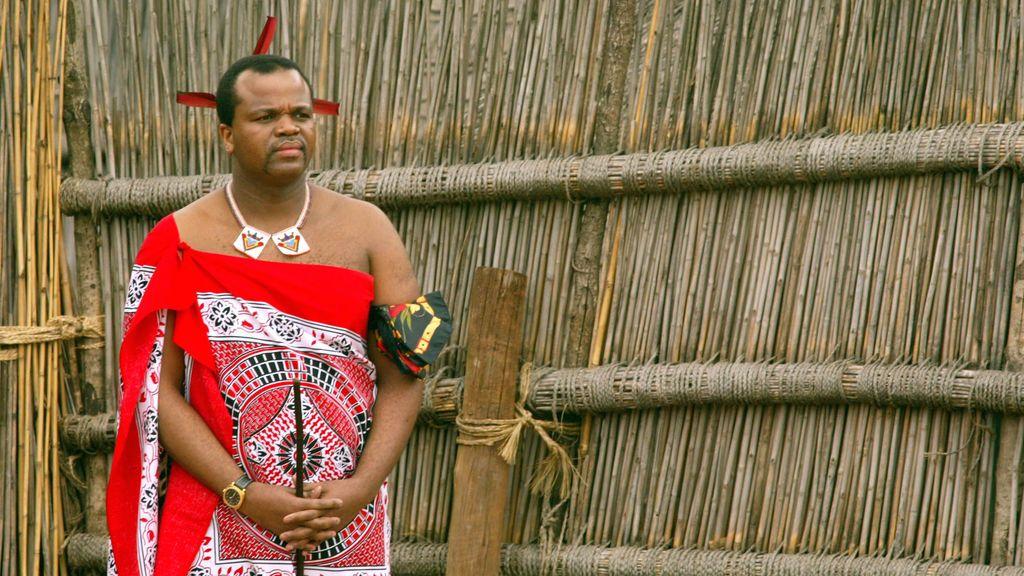 Una mujer se suicida porque un rey africano le prohíbe ir al funeral de su hermana