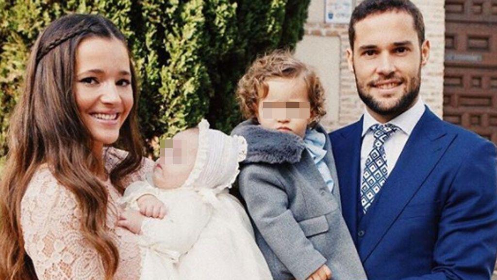 Puntilla, tarta customizada y lacasitos: Malena Costa y Suárez bautizan a su hijo Mario Jr.