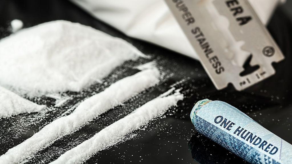 """Arrestada por posesión de cocaína: """"Es un día ventoso, ha debido caer en mi bolso"""""""