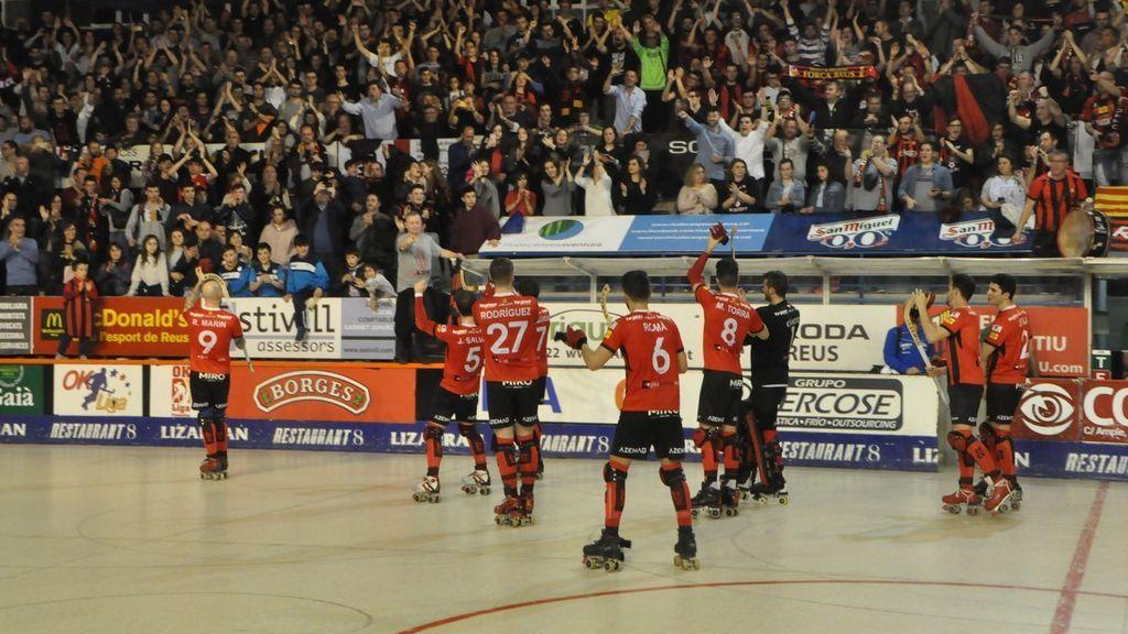 "Brutal pelea en un partido de hockey en Cataluña al escuchar ""Puta España"""