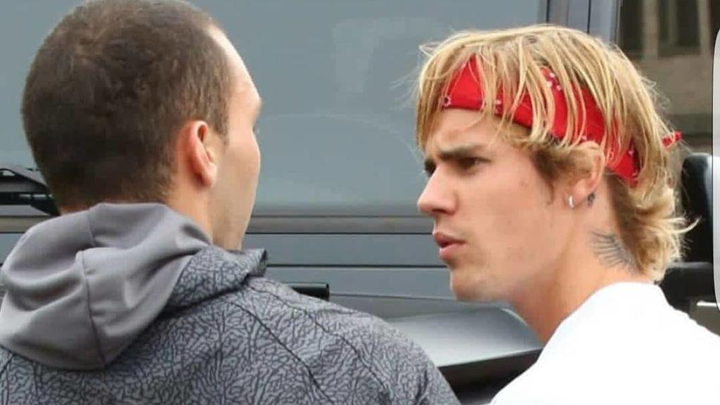 Justin Bieber le destroza el móvil a un fan que intentó hacerse una fotografía