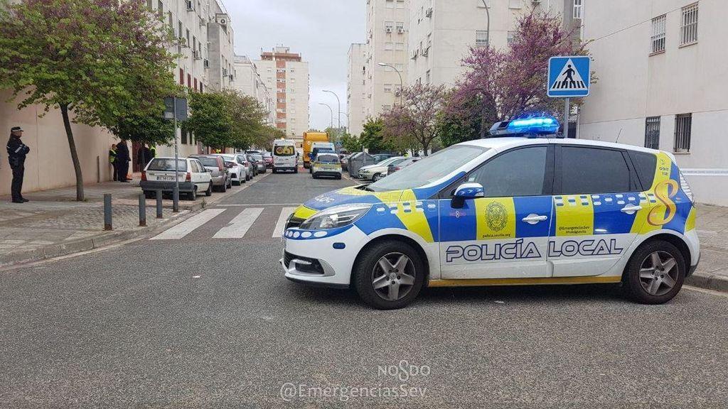 Muere una mujer atropellada por un vehículo de limpieza en Sevilla