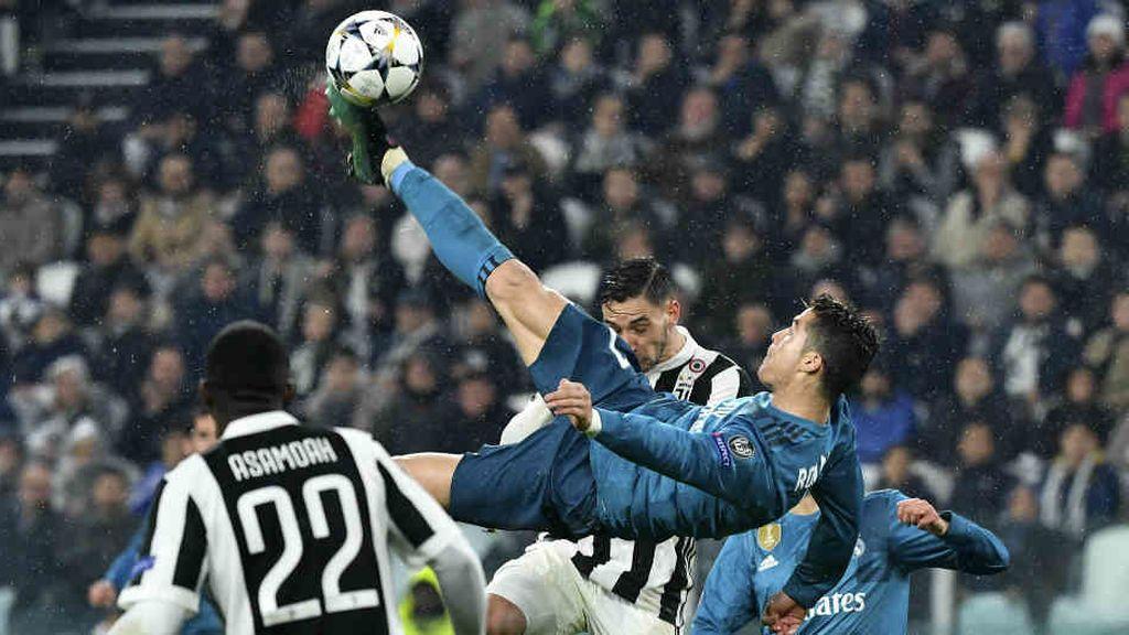 Cristiano Ronaldo marca de chilena el segundo gol de los tres que dieron al Real Madrid el pase a semifinales de la Champions League  en el partido disputado el 3 de abril de 2018 frente a la Juventus.