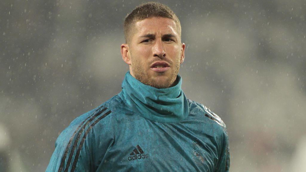 El árbitro refleja en el acta que Sergio Ramos bajó al césped pese a estar sancionado