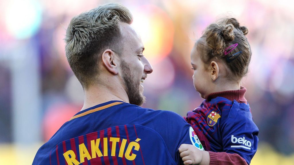 El tierno gesto de la hija de Rakitic tras la operación al futbolista del Barça