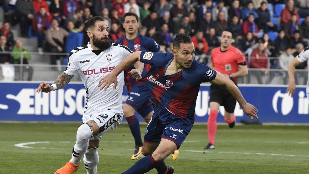 El Huesca deja escapar el liderato tras empatar con el Albacete (0-0) en el partido aplazado