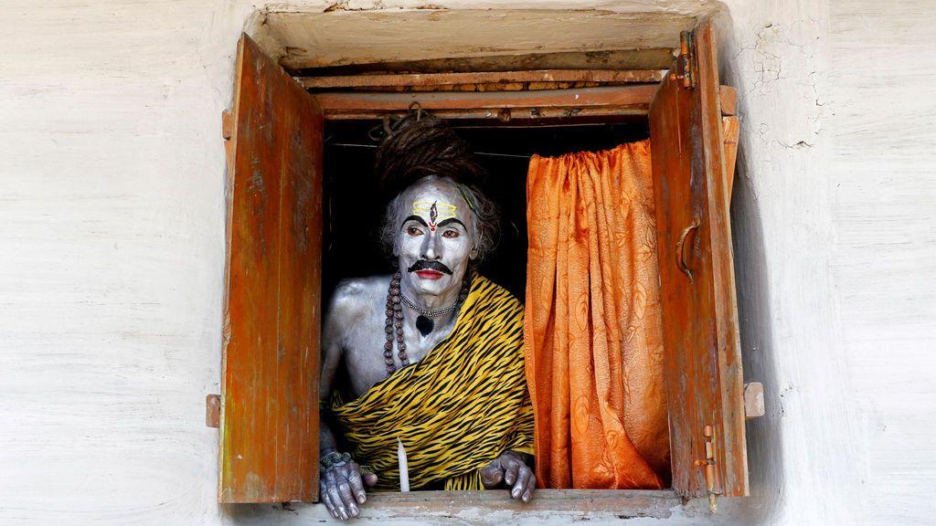 Actuación para el festival religioso Shiva Gajan