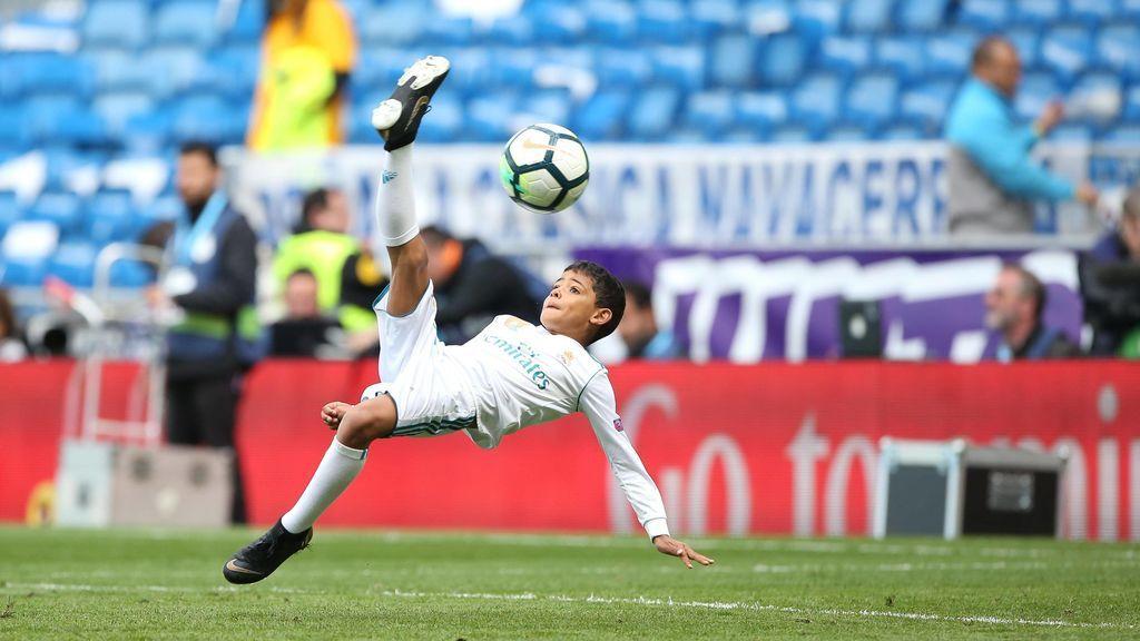 Cristiano Ronaldo felicita a su hijo tras ganar el 'pichichi' de su colegio