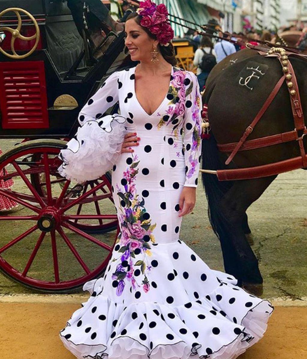 Agarrados de la mano y con sonrisas cómplices: Así están disfrutando Anabel Pantoja y su novio de la Feria de Abril