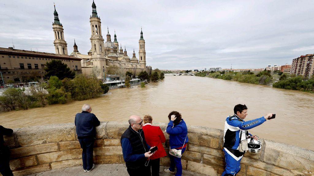 La punta de la riada del Ebro llegará a la Ribera Baja el lunes