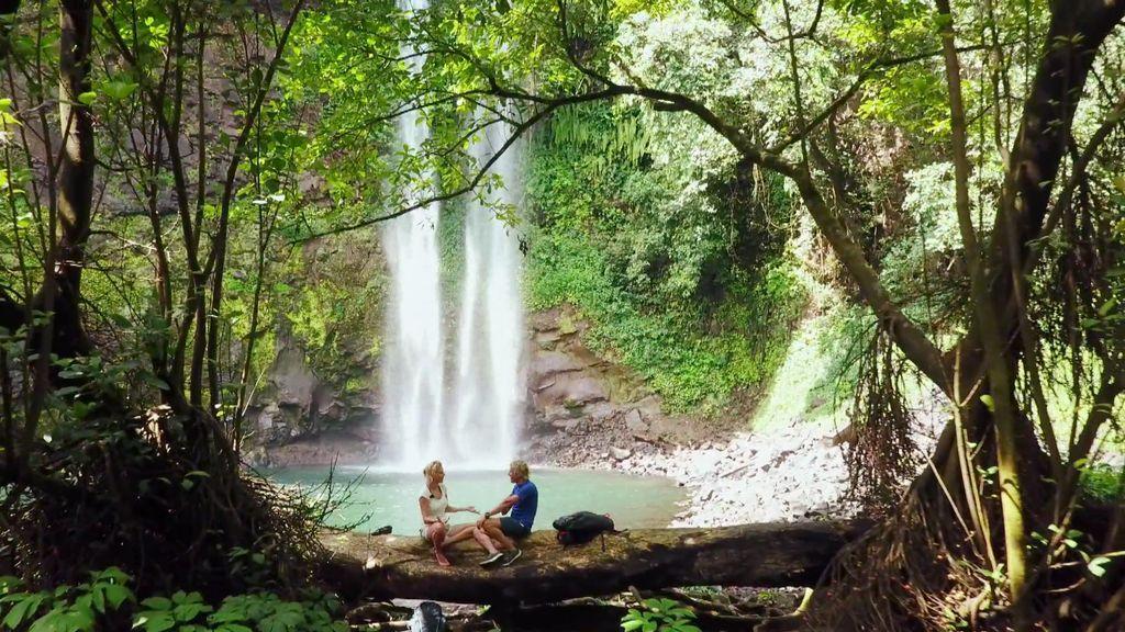"""Ureka, una zona salvaje y aislada que sorprende a Belén y Calleja por sus fascinantes cascadas: """"Parece una peli de Hollywood"""""""