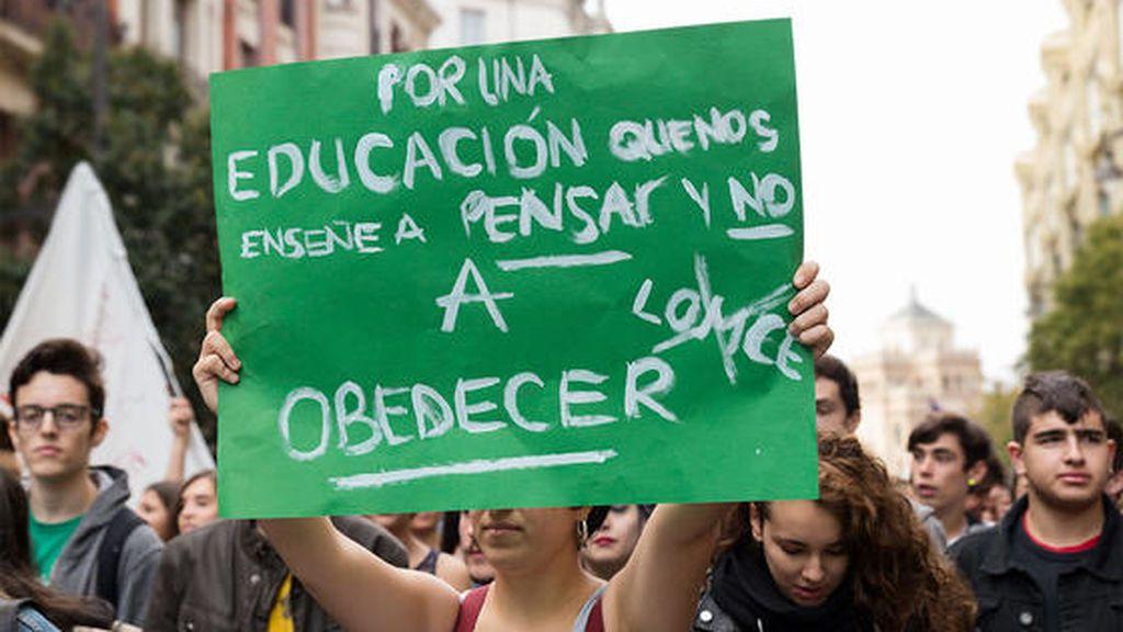 """Vuelve """"la Marea Verde"""" contra la """"política de acoso y derribo"""" del PP hacia la educación pública"""