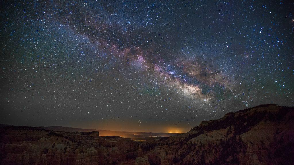 Planazo astronómico: llegan las líridas, la primera lluvia de estrellas de la primavera