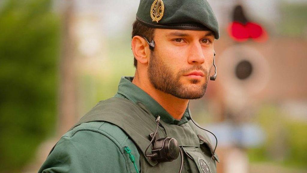 El atractivo agente de la Guardia Civil que arrasa en las redes