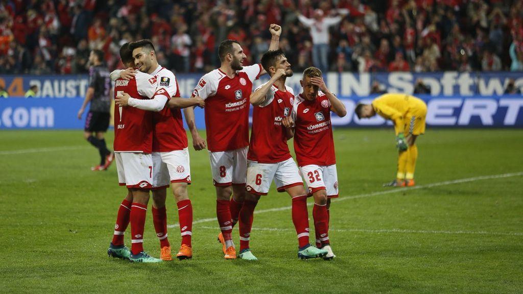 El VAR da un penalti al Mainz con los jugadores ya en el vestuario