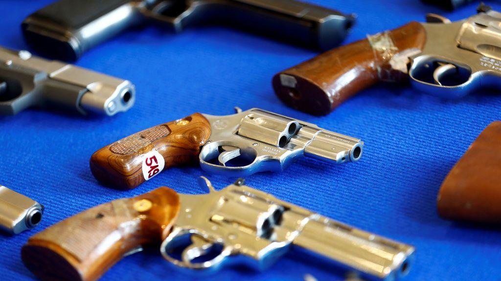 Pistolas confiscadas