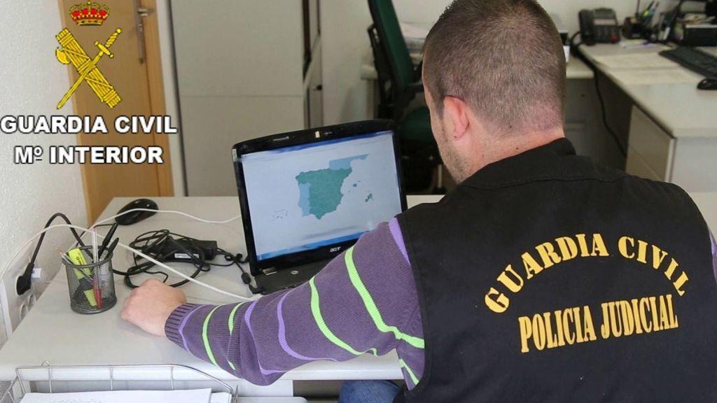 Detenidos por robar con burundanga tras contactar con las víctimas por Internet