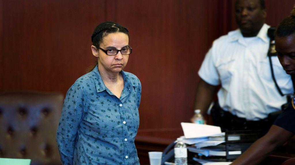 """Una niñera alega que mató a los dos niños que cuidaba """"por órdenes del diablo"""""""