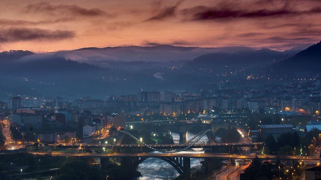 Amanece en la ciudad gallega de Orense
