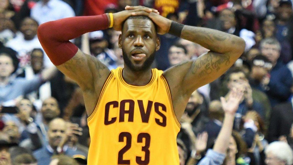 La emoción de LeBron James al enterarse en directo de la muerte de la mujer de Popovich, entrenador de los Spurs