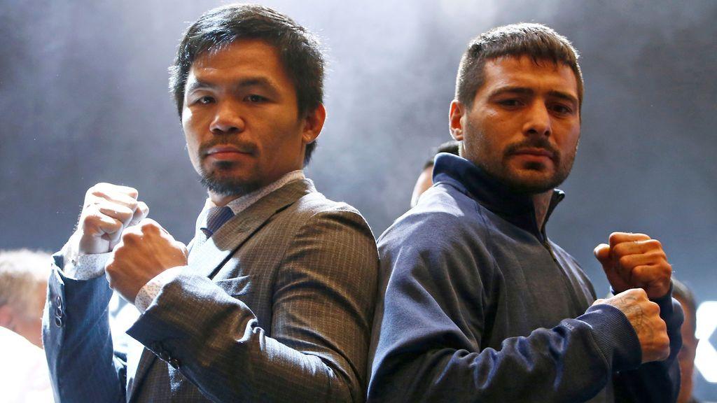 Los boxeadores Pacquiao y Matthysse posan ante los medios