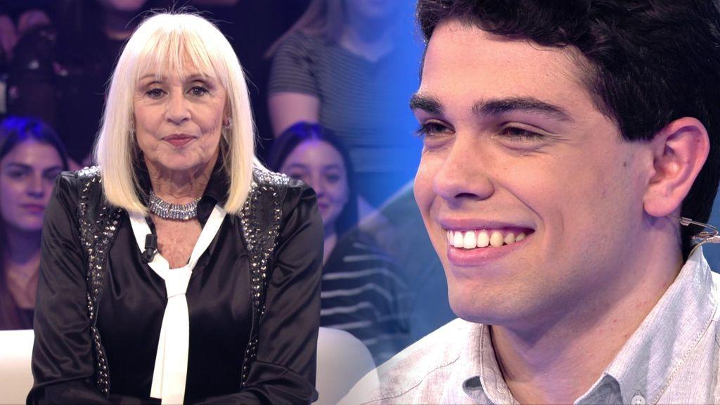 """Andros cumple el sueño de su vida, conocer a Raffaella Carrà: """"Soy tan fan que le puse una peluca rubia a mi madre"""""""