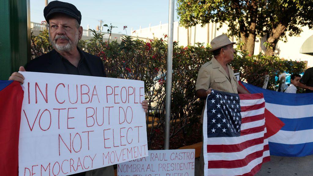 Protestas en contra de Raúl Castro y Díaz Canel