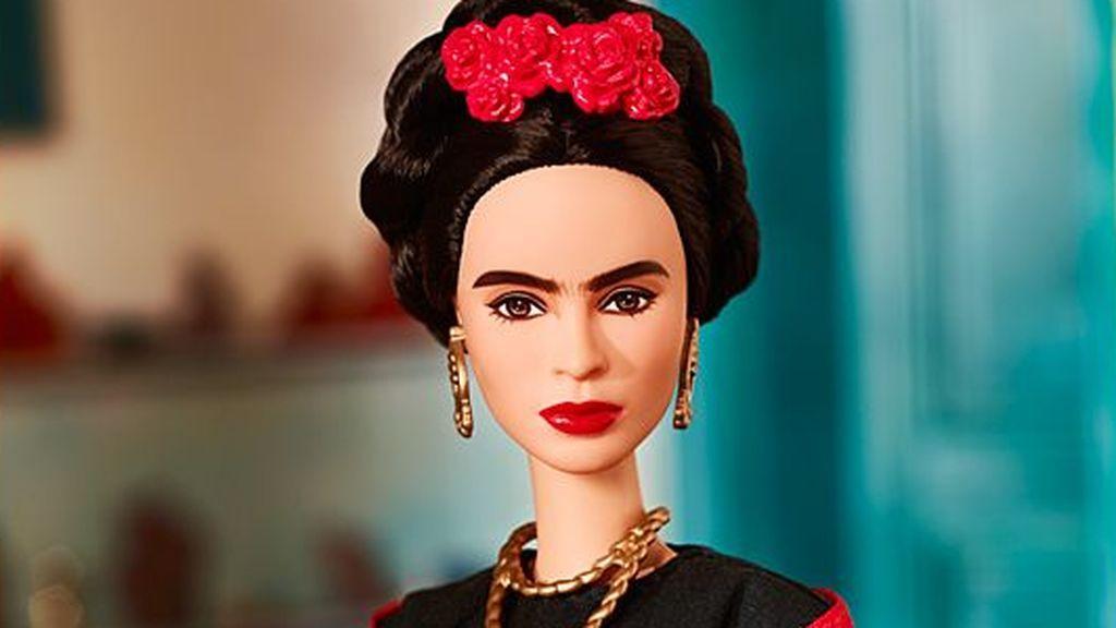 juez detiene venta muñeca frida kahlo mexico