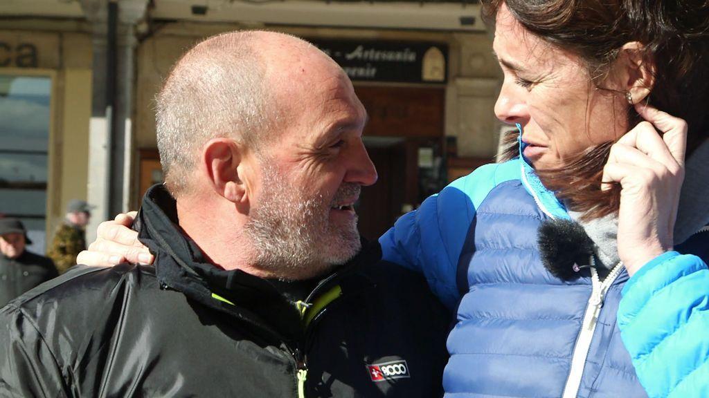 El abrazo más esperado: Juanito Oiarzabal y Edurne Pasaban dejan atrás su personal enfrentamiento