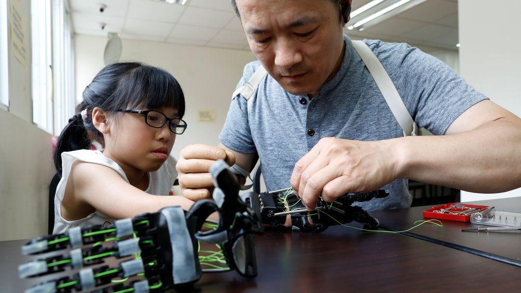 """China acusa a EEUU de """"opresión tecnología"""" por limitar sus inversiones en ciencia"""