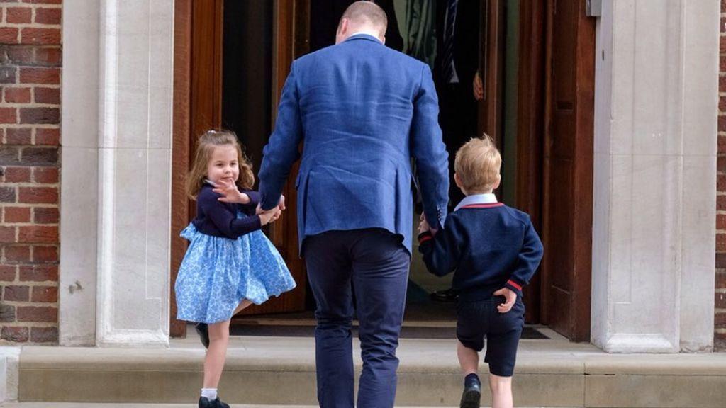 ¡Charlotte y George ya conocen a su hermano! Su adorable visita al hospital, en fotos