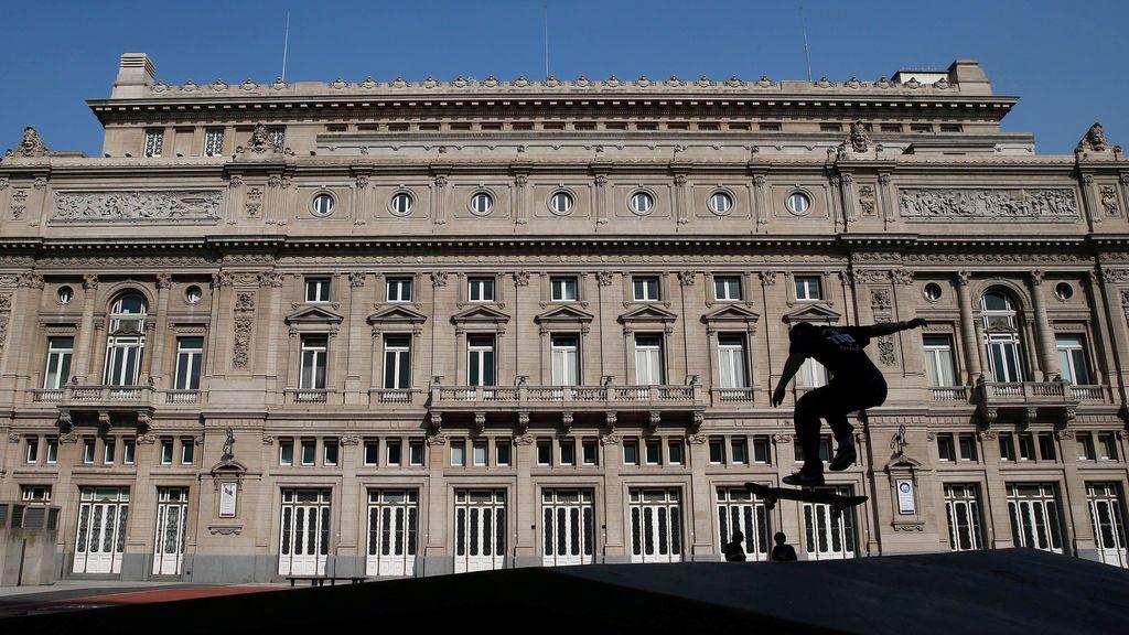 Salto de monopatín en Buenos Aires
