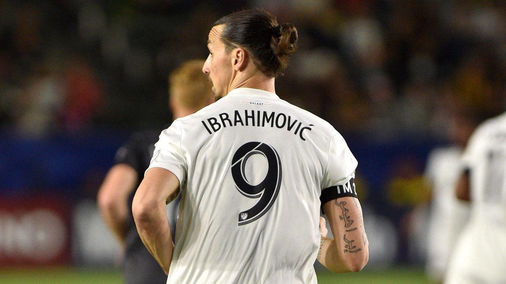 El control imposible de Zlatan Ibrahimovic que está dando la vuelta al mundo