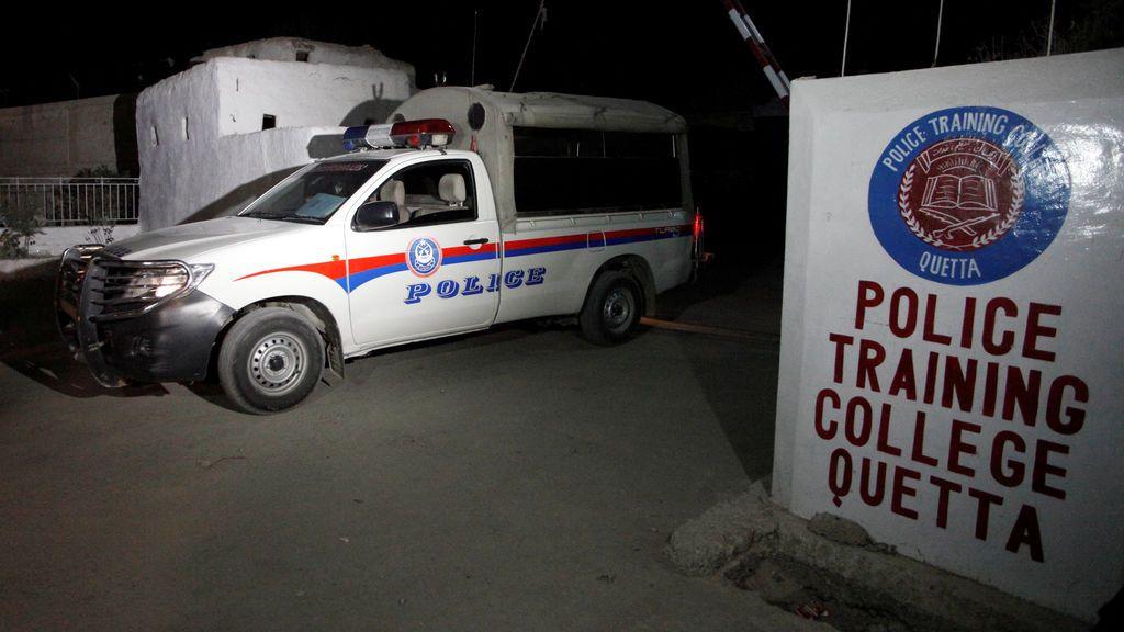 Cinco policías muertos en un atentado suicida en Pakistán