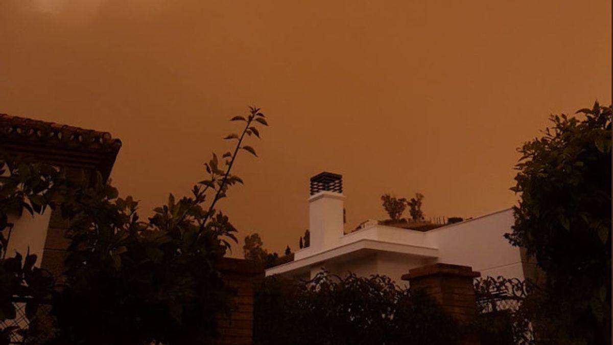 Días de calima en España: las espectaculares fotos de cómo se están viviendo los cielos naranjas en redes